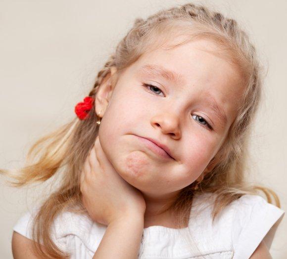 Растяжения на шее ребенка лечение