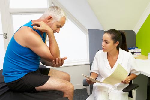 Как выявить и что делать при ушибе локтя первая помощь и лечение